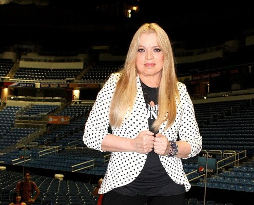 SAN JUAN, PUERTO RICO - MAY 08:  Ednita Nazario holds a press conference during the rehearsal of her concert for this weekend at Coliseo Jose M. Agrelot on May 8, 2014 in San Juan, Puerto Rico.  (Photo by GV Cruz/WireImage)